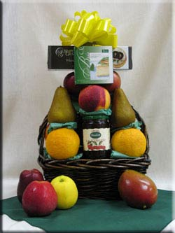 Aiellos fruit baskets are popular baskets for gifts !